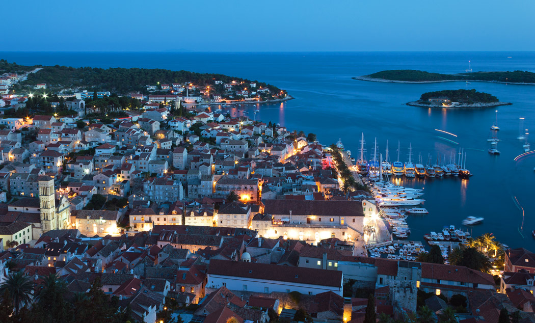 hvar_night