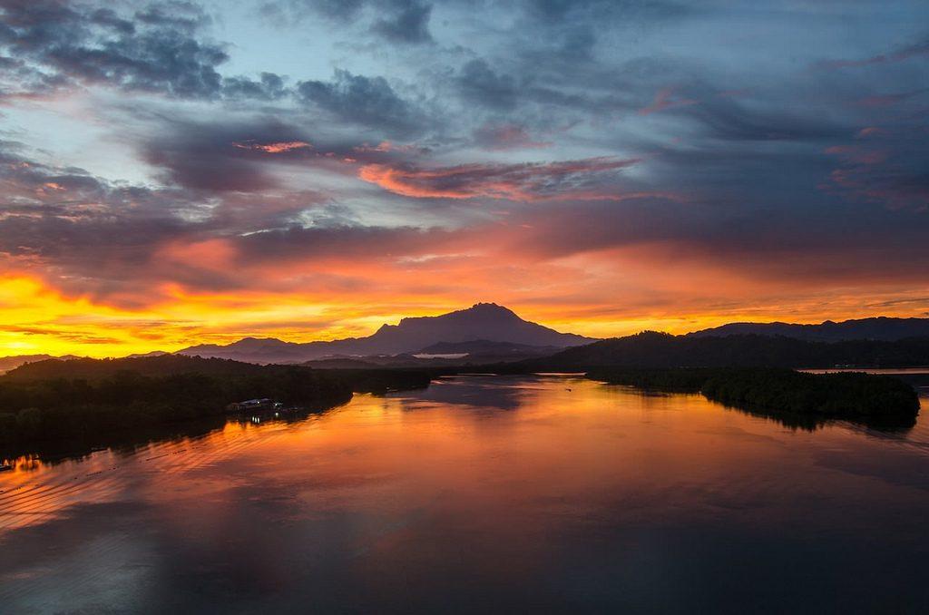 Mt.Kinabalu_sunrise