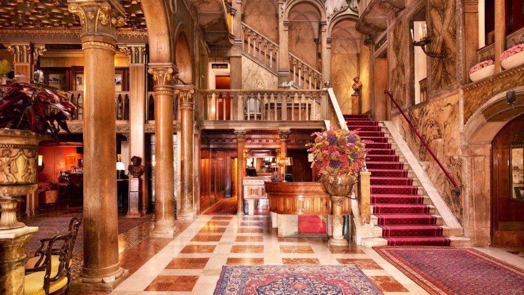 ホテル ダニエリ・ダンドロ宮殿のロビー