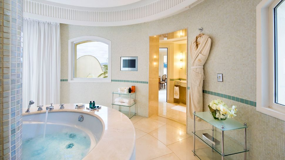 InterContinentalCarltonCannes-suite-bathroom