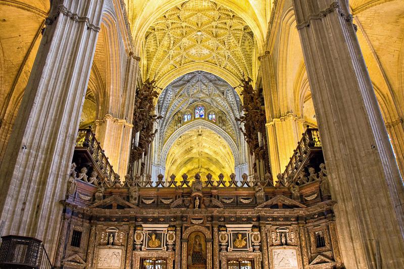 Die beeindruckende Kathedrale Santa Maria de la Sede in Sevilla ist die größte gotische Kirche der Welt und zählt seit 1987 zum Weltkulturerbe der UNESCO, Spanien