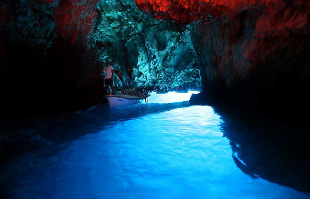 blue-cave2