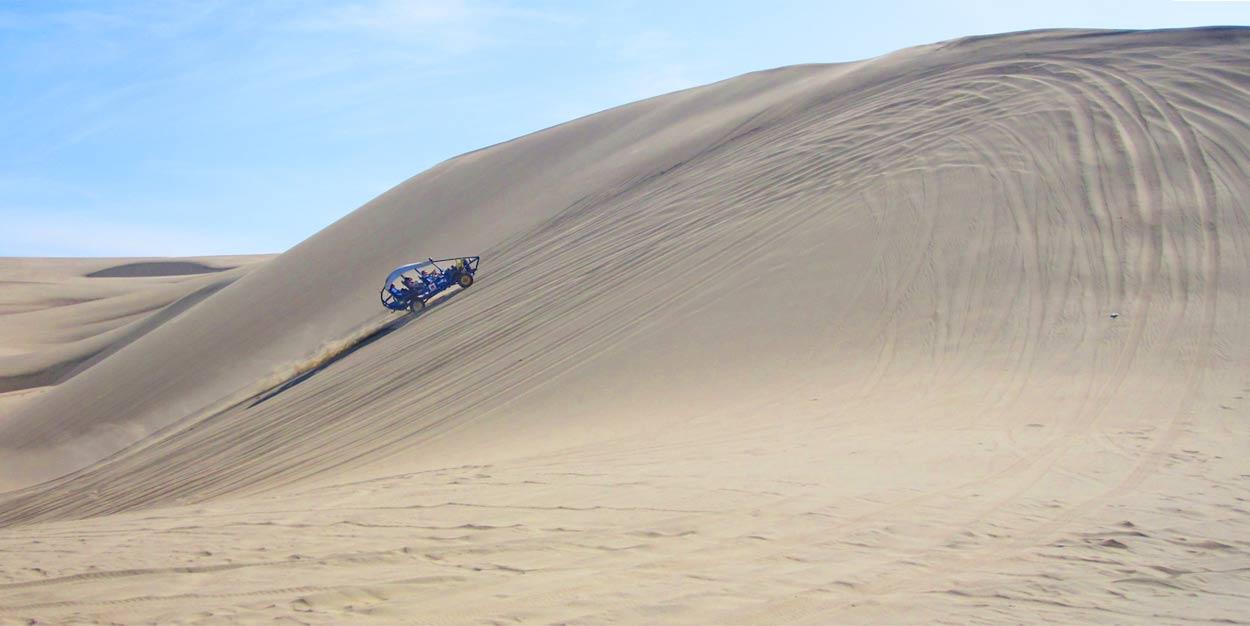 huacachina-sand