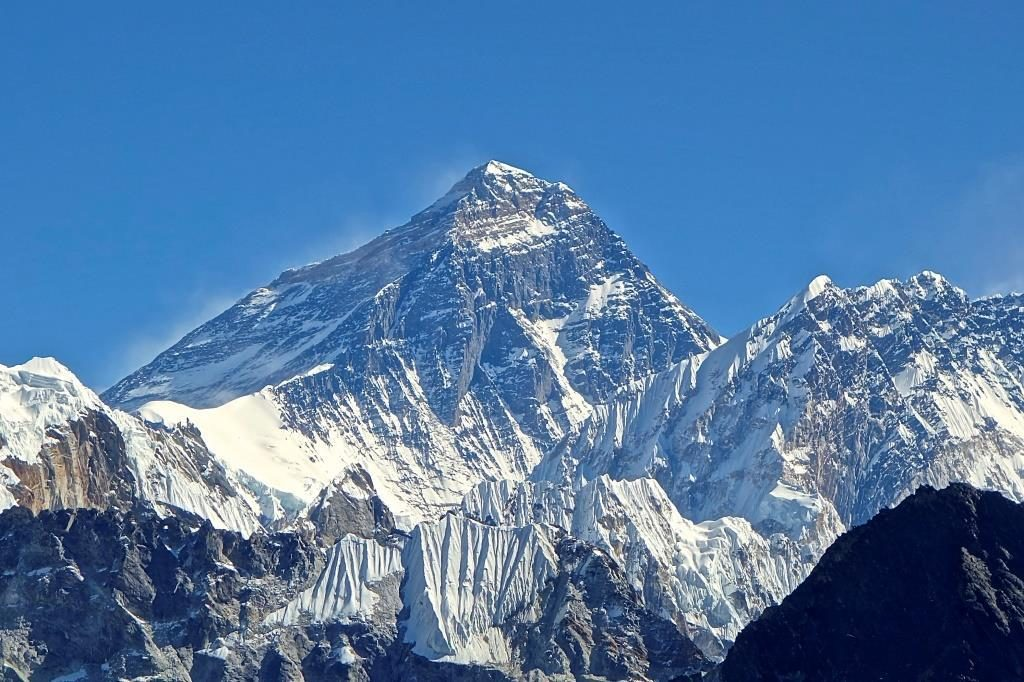everest_eye
