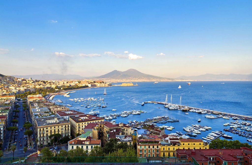 世界遺産の街ナポリ