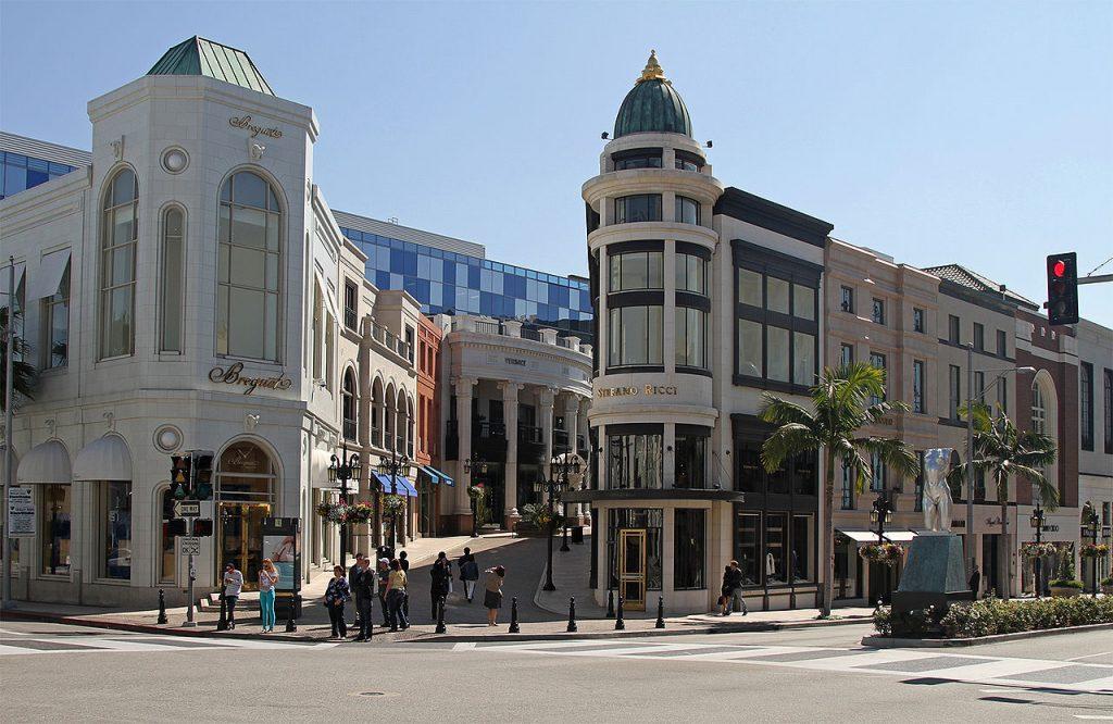 ビバリ―ヒルズのセレブショッピングストリート「ロデオ・ドライブ」