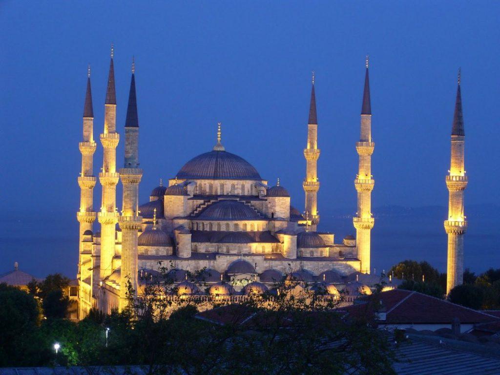 イスタンブールの観光スポット「ブルーモスク」