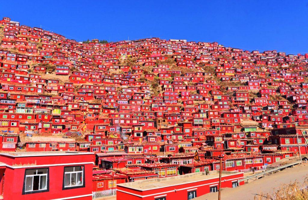 外国人立ち入り禁止のチベットの...