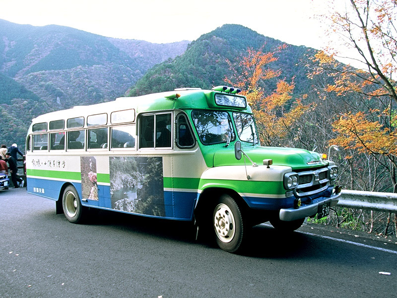 定期観光のボンネットバス