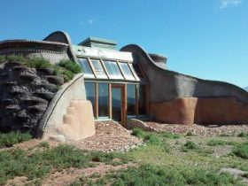 Earthship_eye