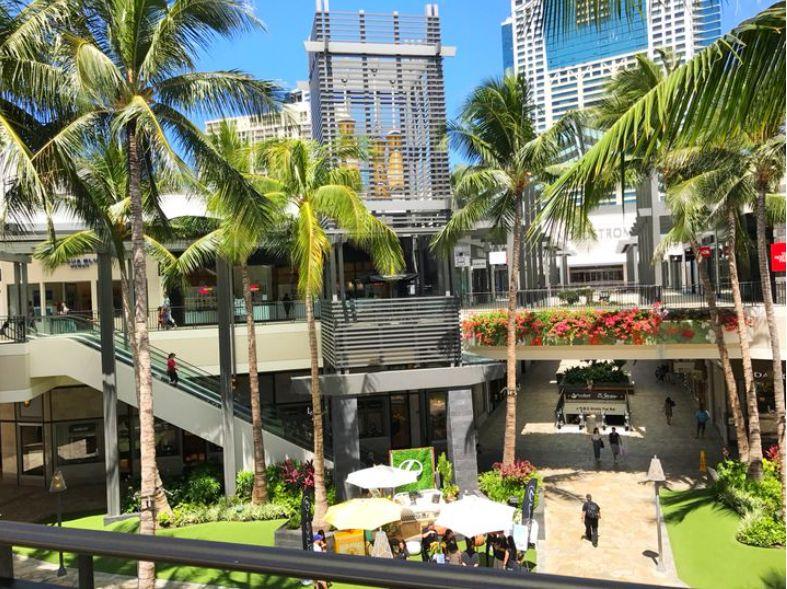 ハワイ アラモアナショッピングセンター